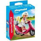 Special Plus Ragazza con scooter 9084